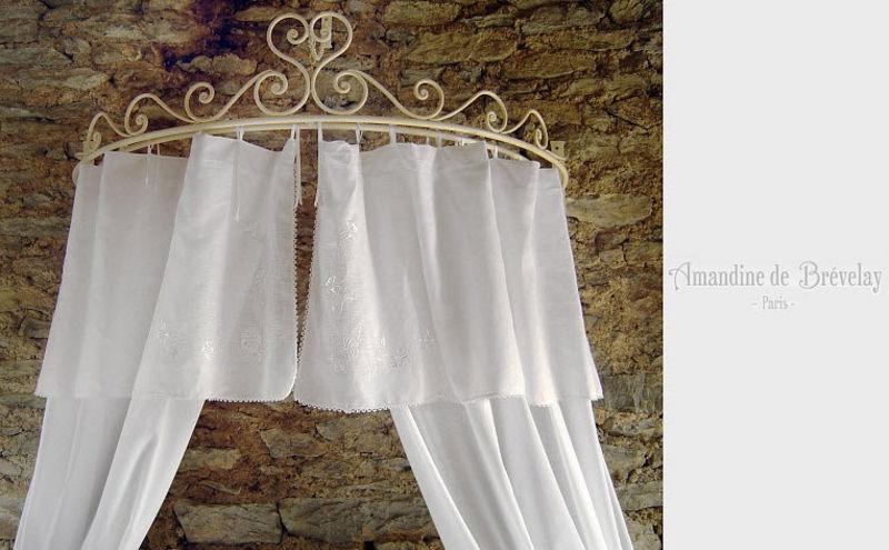 Amandine De Brevelay Voile pour ciel de lit Voilages Tissus Rideaux Passementerie  |