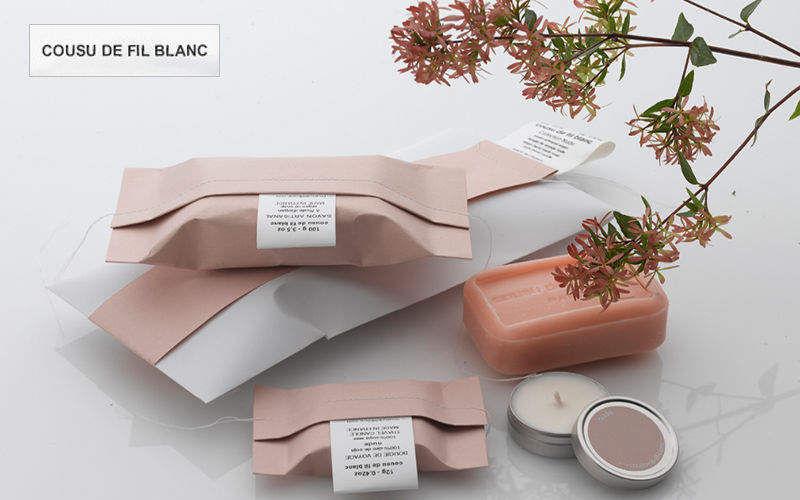 COUSU DE FIL BLANC Papier cadeau Emballages Noël Mariage et Fêtes  |