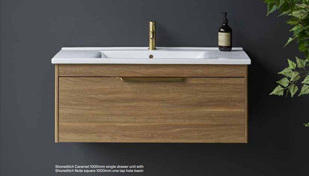 BRITTON BATHROOMS Meuble vasque Meubles de salle de bains Bain Sanitaires  |