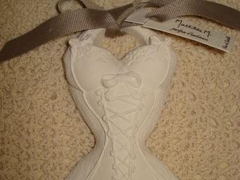au petit coeur d'amour - corset fleur de dentelle - C�ramique Parfum�e