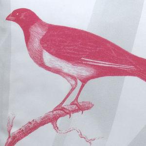 TROIS MAISON - coussin oiseau en soie - collier d'or - Coussin Carr�