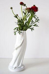 Maria VOLOKHOVA -  - Vase À Fleurs