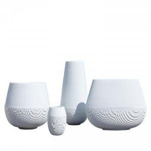 NON SANS RAISON -  - Vase � Fleurs