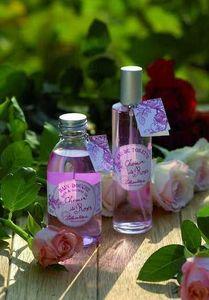 Amelie et Melanie - chemin de roses - Parfum D'int�rieur