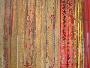 PASSION HOMES BY SARLA ANTIQUES - net embroidered curtains - Tissu Au Mètre