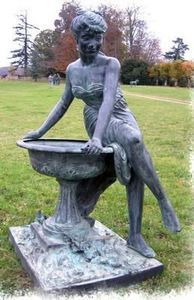 Esprit Antique - sculpture de jardin vasque et femme - Sculpture