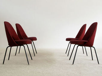 FURNITURE-LOVE.COM - 4 eero saarinen knoll executive side chairs - Chaise