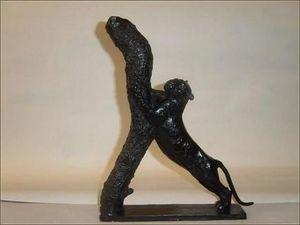 Galerie P. Dumonteil - tigre faisant ses griffes - Sculpture Animalière