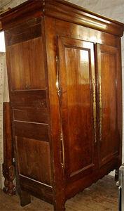 Antiquité Le Berre - armoire en châtaigner - Armoire À Portes Battantes