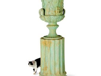 CAPITAL GARDEN PRODUCTS -  - Vase Medicis