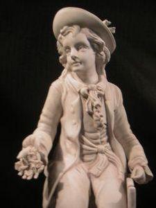 Demeure et Jardin - gentilhomme biscuit - Figurine