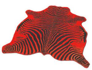 WHITE LABEL - tapis en peau de vache rouge imprimé zébré noir - Peau De Zèbre