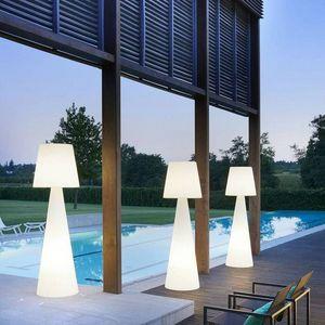 SLIDE Design -  - Lampadaire De Jardin