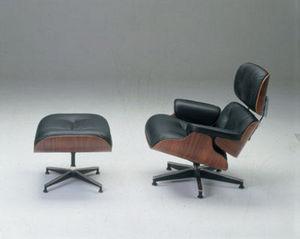 Distinction Furniture & Interiors -  - Fauteuil Et Pouf