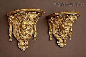 Pelham Galleries - London -  - Console (architecture)