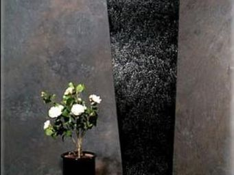 SDECO INTERIORS - water black panel - Mur D'eau