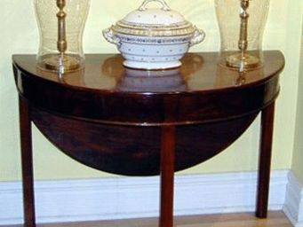 ANTIQUITES PHYLLIS FRIEDMAN - table demi-lune - Table � Abattant