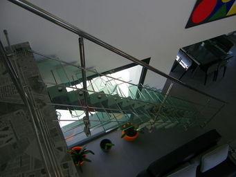 TRESCALINI - manhattan : escalier droit inox et verre - Escalier � Limon Central