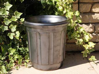 Les Poteries Clair de Terre - poubelle - Pot De Fleur