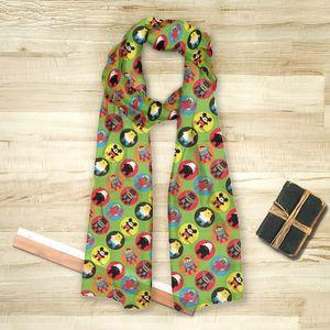 la Magie dans l'Image - foulard heros pattern vert petit - Foulard Carré
