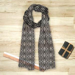 la Magie dans l'Image - foulard rzseau floral noir - Foulard Carré