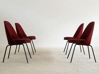 FURNITURE-LOVE.COM - 4 eero saarinen knoll executive side chairs - Chaise