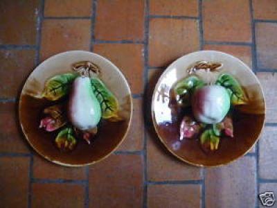 Art & Antiques - Assiette décorative-Art & Antiques-Paire d'asiettes en barbotine