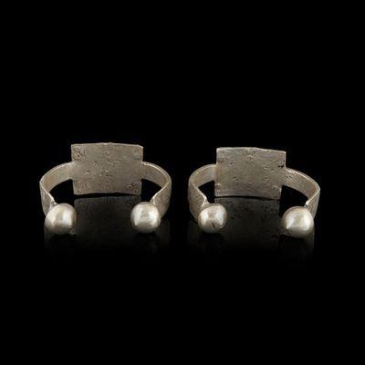 Expertissim - Bracelet-Expertissim-Deux bracelets berbères en métal argenté, première