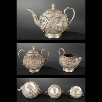 Expertissim - Service à thé-Expertissim-Service à thé en métal argenté. Travail indien, XX