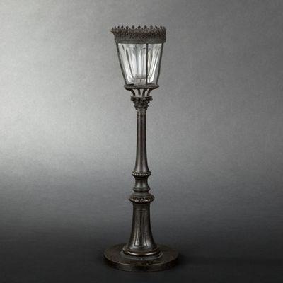 Expertissim - Veilleuse-Expertissim-Veilleuse en bronze patiné  du XIXe siècle