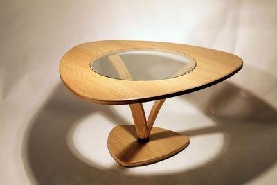 MEUBLES EN MERRAIN - Table basse triangulaire-MEUBLES EN MERRAIN-Table basse