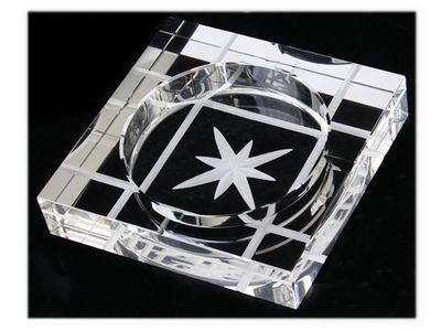 WHITE LABEL - Cendrier-WHITE LABEL-Cendrier carr� en verre gravure �toile accessoire