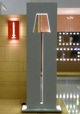 VALENTI - Lampadaire-VALENTI-Salone del Mobile Milano 2009