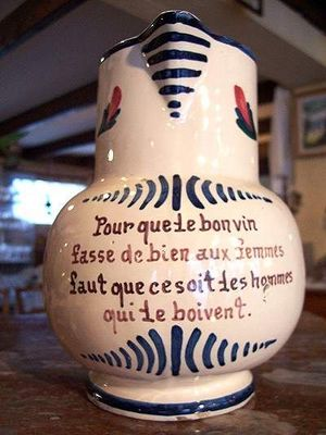 Le Grenier de Matignon - Pichet-Le Grenier de Matignon-PICHET EN FAIENCE HUMORISTIQUE DEBUT DU XXe SIECLE