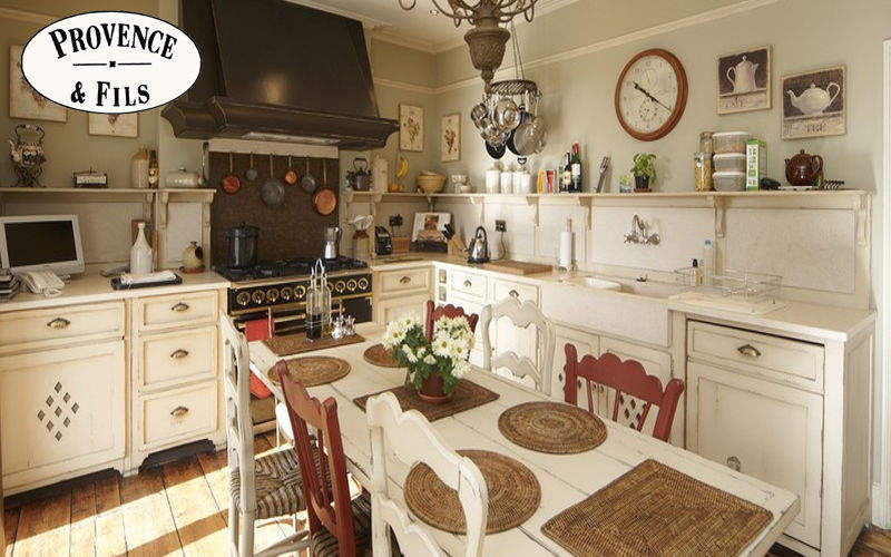 PROVENCE ET FILS Traditional kitchen Fitted kitchens Kitchen Equipment Kitchen | Cottage