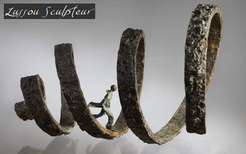 LUSSOU Sculpture Statuary Art   