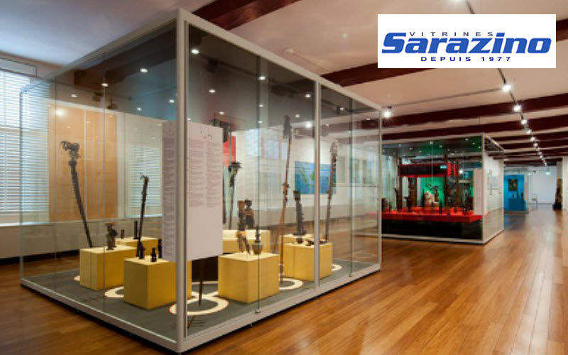 VITRINES SARAZINO Museum display case Pro display cabinet Tables and Misc.  |