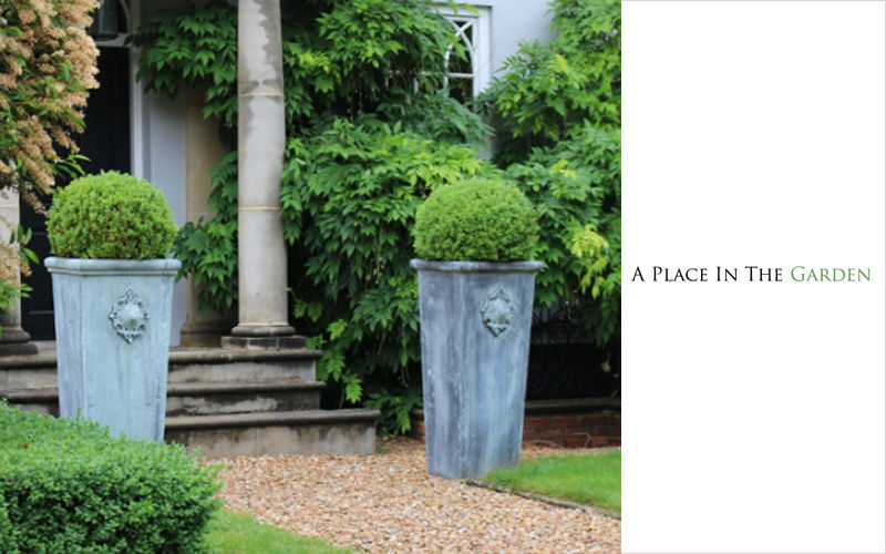 A PLACE IN THE GARDEN Tree pot Containers Garden Pots  |