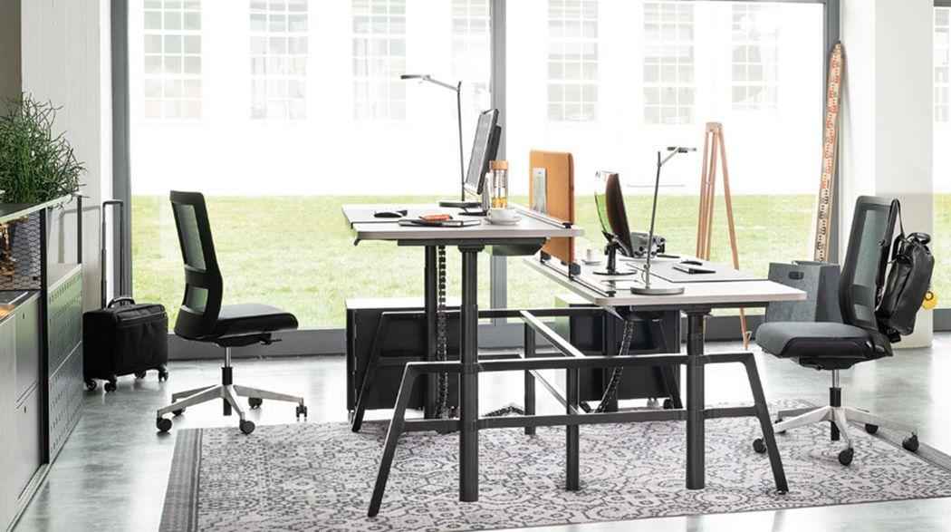 WIESNER-HAGER MÖBEL Operative desk Desks & Tables Office   