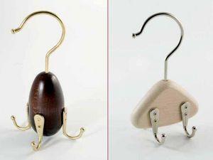 Toscanini Tie hanger