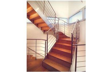 Occitanie Pierres Quarter turn staircase