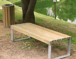 Area -  - Garden Bench