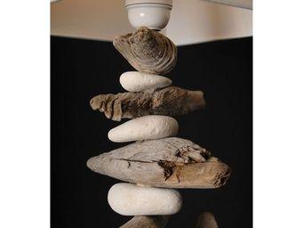 Coc'Art Créations - lampe galets et bois flotté - Table Lamp