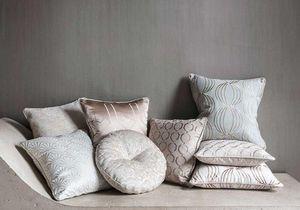 CLARKE & CLARKE - lusso - Round Cushion