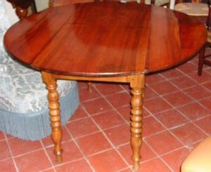 Antiquites Le Vieux Moulin -  - Round Diner Table