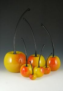 CARLSON ART GLASS -  - Decorative Fruit