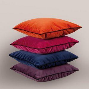 Toiles De Mayenne -  - Rectangular Cushion