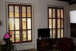 DECO SHUTTERS - shutter en orme massif - Light Blocking Blind