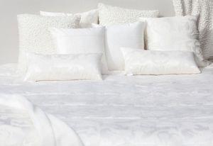Lennol -  - Rectangular Cushion