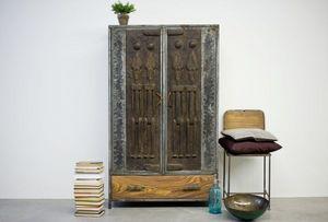 MOOGOO CREATIVE AFRICA -  - Wardrobe